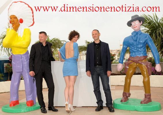 Cannes, in posa attori del film 'Panique au village'